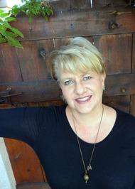 Author Raine Miller Pic
